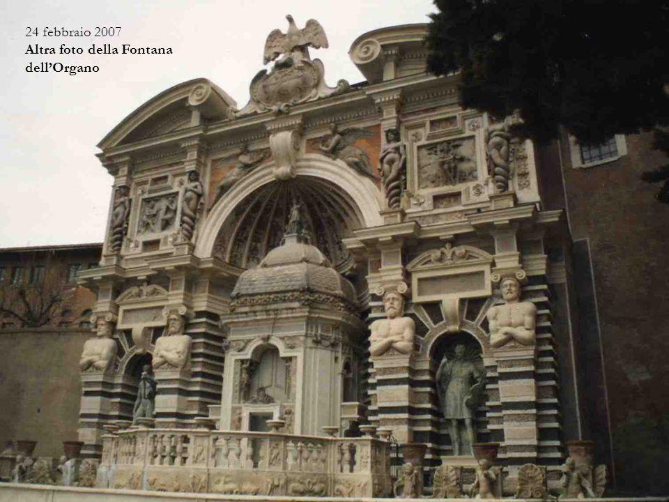 21 marzo 1993 - Fontana dell'Organo Al proprio interno ingloba un organo le cui valvole delle canne sono azionate dal movimento dell'acqua. Dopo vari