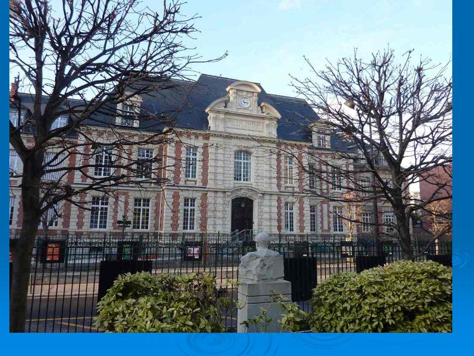 In questo edificio, di fronte al precedente, si trovava il laboratorio di Pasteur e il suo appartamento.