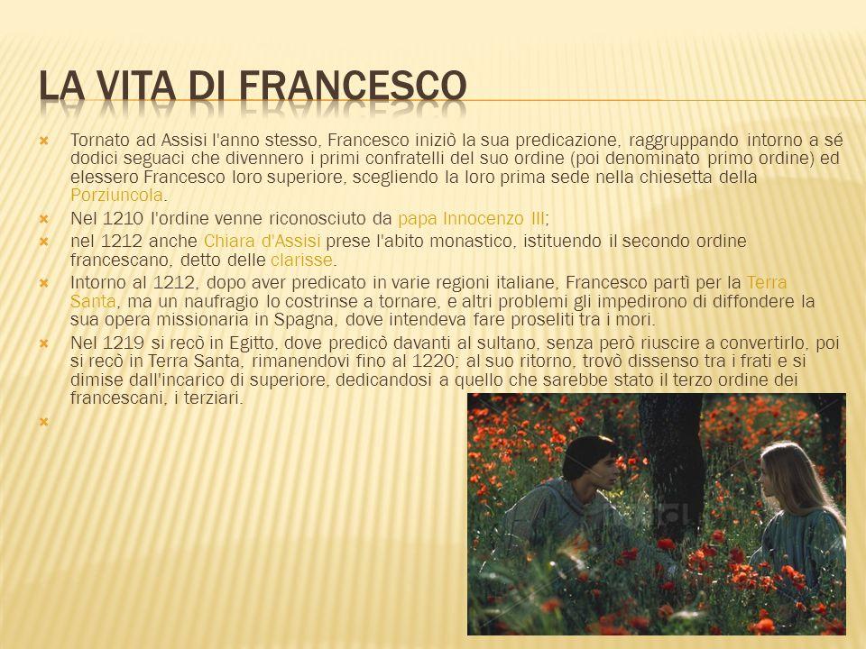  Tornato ad Assisi l'anno stesso, Francesco iniziò la sua predicazione, raggruppando intorno a sé dodici seguaci che divennero i primi confratelli de