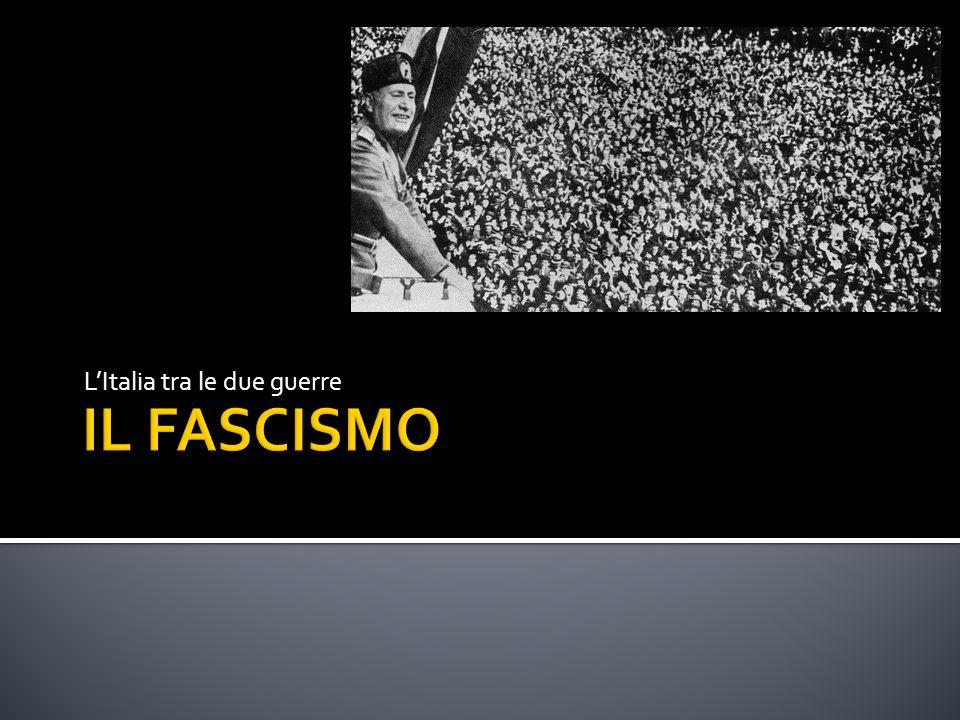  1931: la Spagna diventa una repubblica  1933: nasce un movimento di stampo fascista, la Falange, per contrastare il governo filocomunista.
