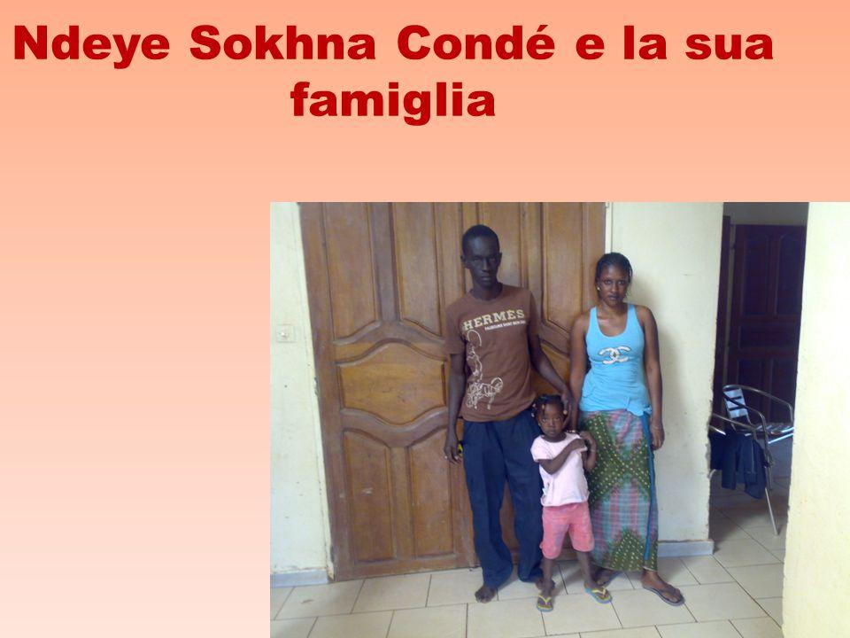 Ndeye Sokhna Condé e la sua famiglia