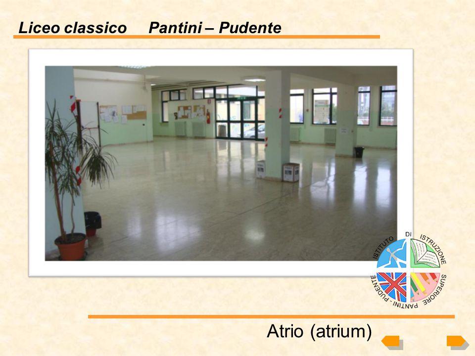 Liceo classico Pantini – Pudente A chi è rivolto: Alunni II e III media e loro genitori Luogo di presentazione: Presso le scuole medie di Vasto e comu
