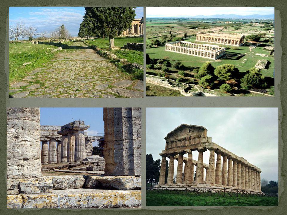 IL TEMPIO DI NETTUNO Vicino alla Basilica, su una lieve altura, sorge il più bello e il meglio conservato dei tre templi dorici: il Tempio di Nettuno.