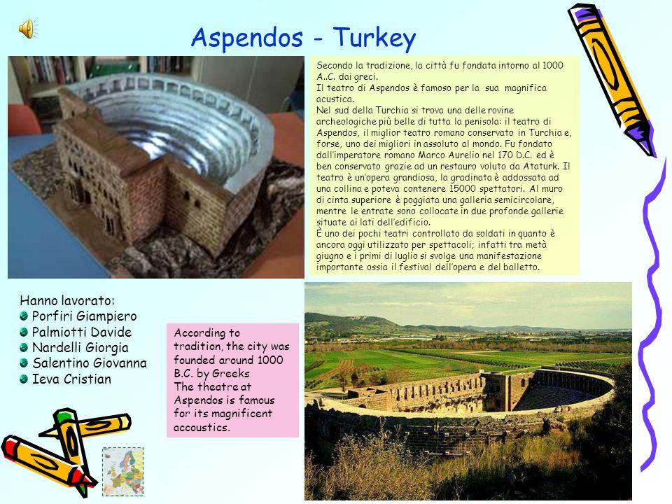 Aspendos - Turkey Secondo la tradizione, la città fu fondata intorno al 1000 A..C.