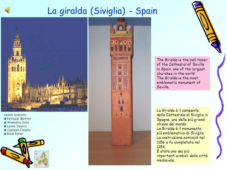 La giralda (Siviglia) - Spain La Giralda è il campanile della Cattedrale di Siviglia in Spagna, una delle più grandi chiese del mondo.
