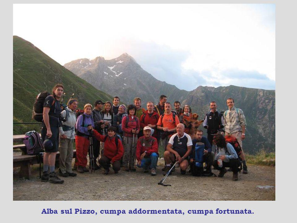Il Pizzo dei 3 Signori, quota 2510 m, 4 ore e 30, e il lago di Sasso.