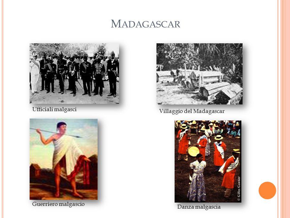M ADAGASCAR Ufficiali malgasci Guerriero malgascio Villaggio del Madagascar Danza malgascia