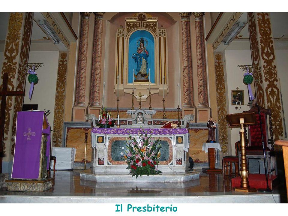La statua della Madonna dell' Immacolata Concezione