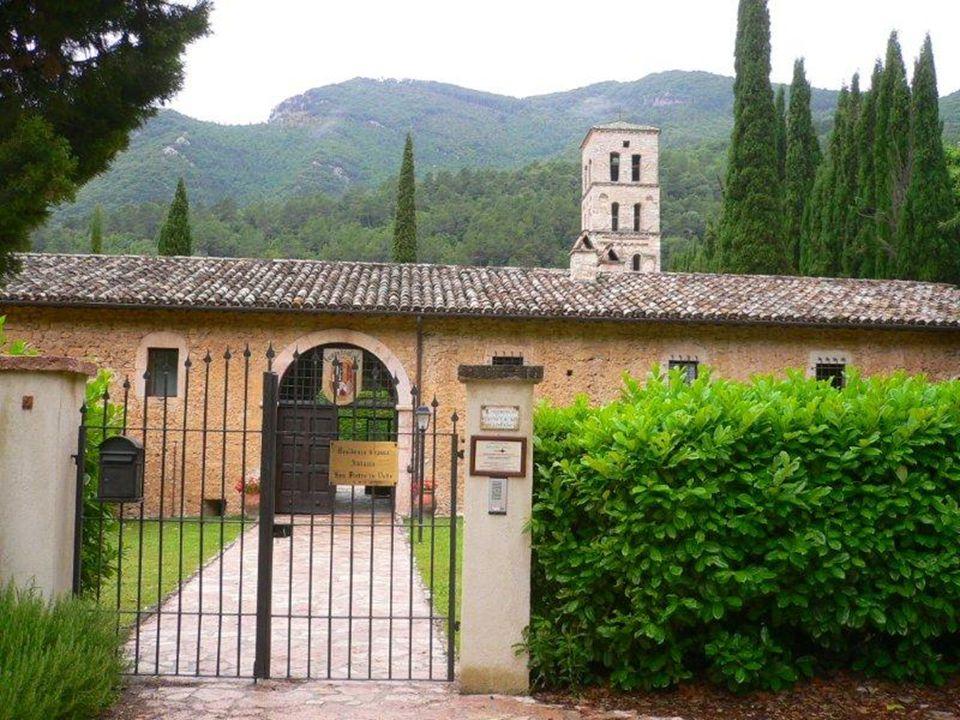Veronica nasce appunto il 27 dicembre 1660 a Mercatello, nella valle del Metauro, da Francesco Giuliani e Benedetta Mancini; è l'ultima di sette sorel