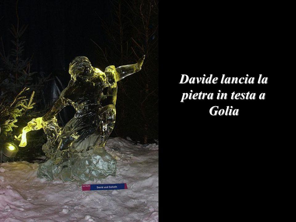 Davide lancia la pietra in testa a Golia