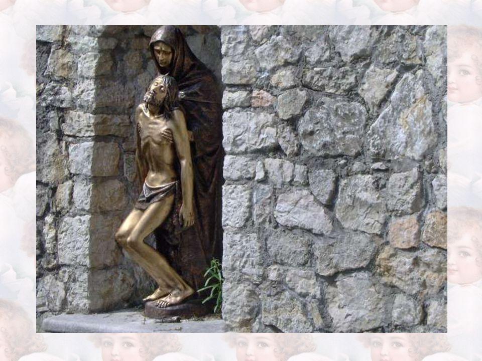 Vi giungono in pellegrinaggio anche alcuni cavalieri di San Giovanni Gerosolimitano, i quali riconoscono con certezza nella miracolosa Pietà venerata