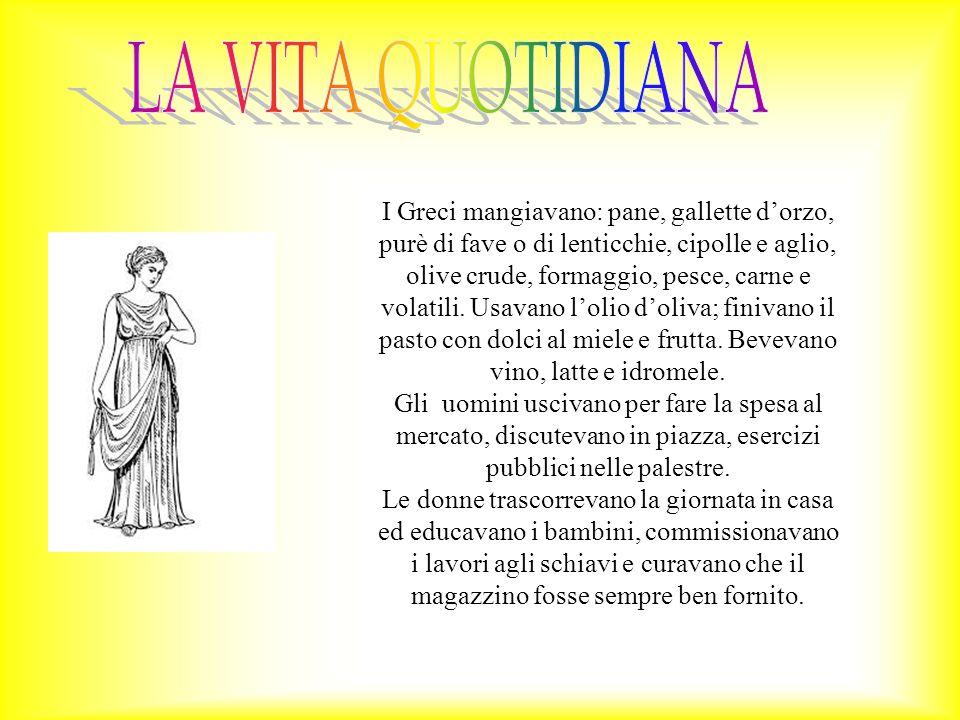 I Greci mangiavano: pane, gallette d'orzo, purè di fave o di lenticchie, cipolle e aglio, olive crude, formaggio, pesce, carne e volatili. Usavano l'o