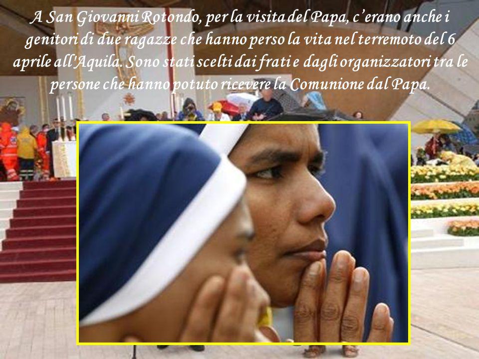 Alla solenne Messa il Papa utilizza un calice e una pisside usati più volte dal Santo di Pietrelcina. Il Pontefice ha inoltre benedetto l'urna contene