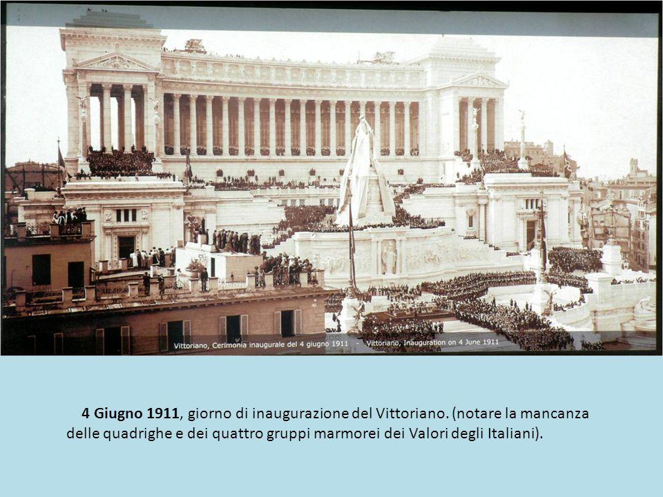 Piazza Venezia con il Vittoriano ancora in costruzione...