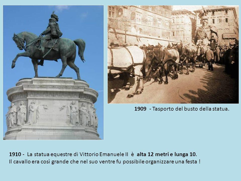 1905-6 Vittoriano in costruzione.Il monumento è largo 135 metri, alto 70 metri quadrighe escluse.