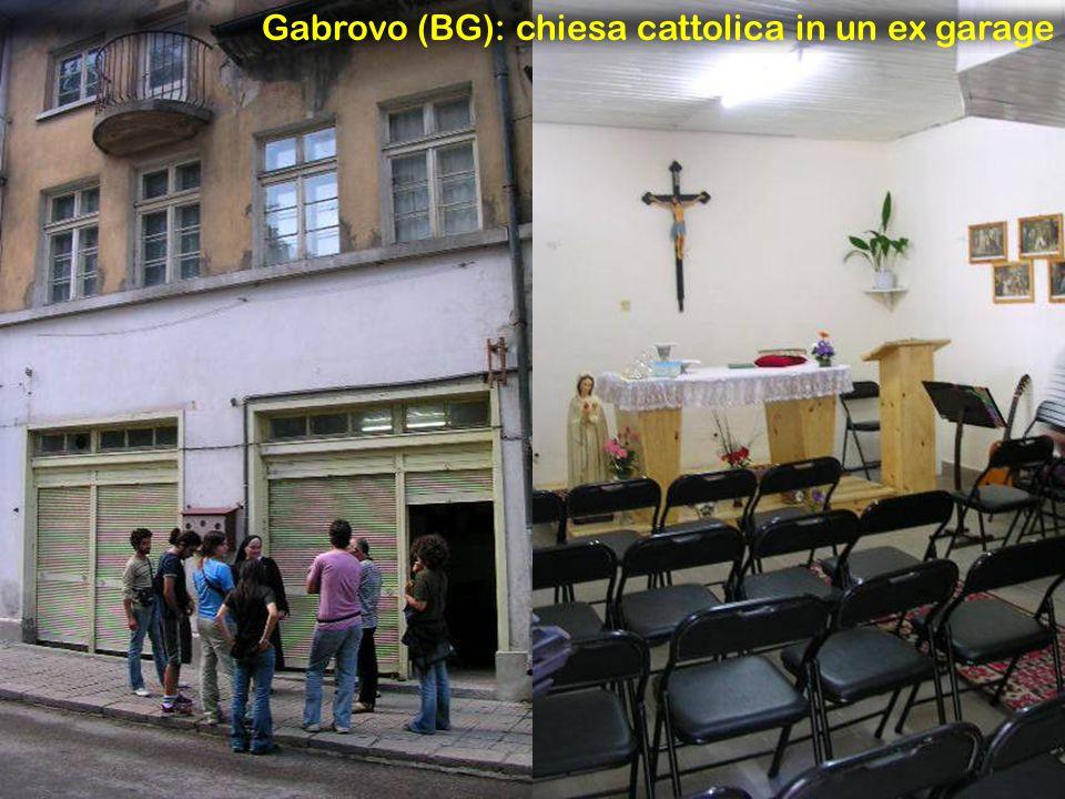 Gabrovo (BG): chiesa cattolica in un ex garage
