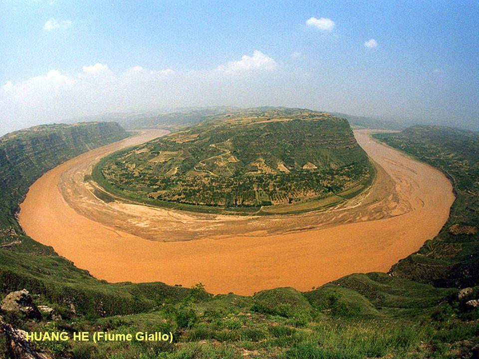 7° - HUANG HE (Fiume Giallo) Lunghezza: 4845 km - Portata media: 2571 (metri cubi/sec) - Sorgente: Bayan Kara Ula 4.500 mt.