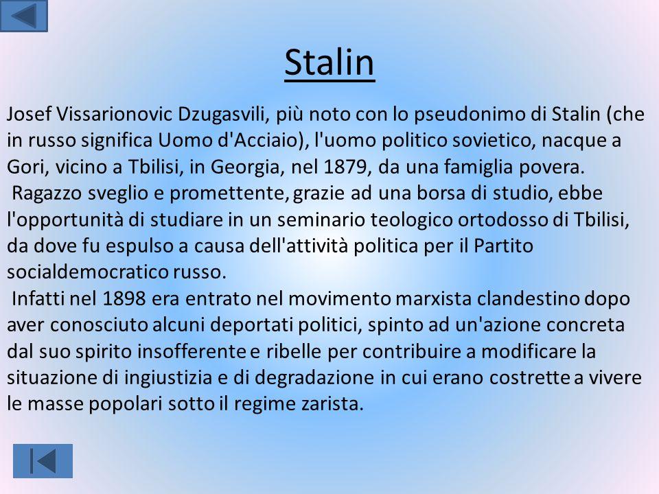 Lenin Lenin nasce nel 1870 a Uianovks.