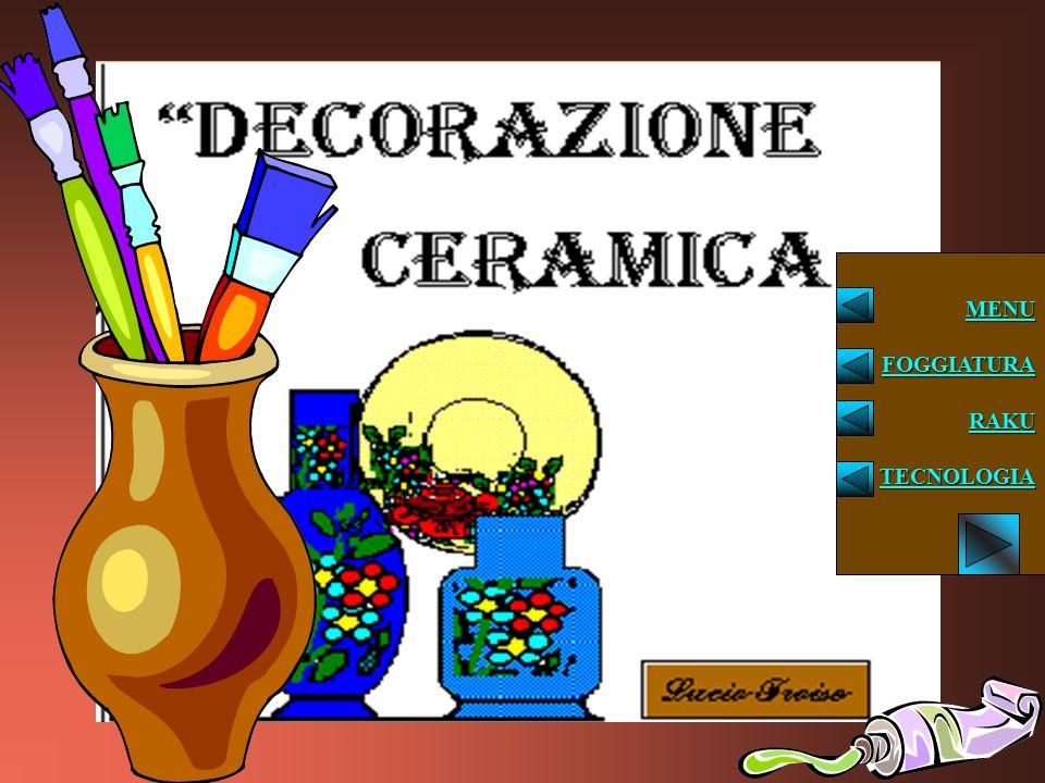 DECORAZIONE Nella decorazione sotto vernice il disegno viene fatto direttamente sul biscotto o sulla terraglia; è sicuramente un metodo più semplice in quanto si lavora su una base solida, ma l'effetto, nel senso della brillantezza dei colori e della lucidità del manufatto, è meno efficace.
