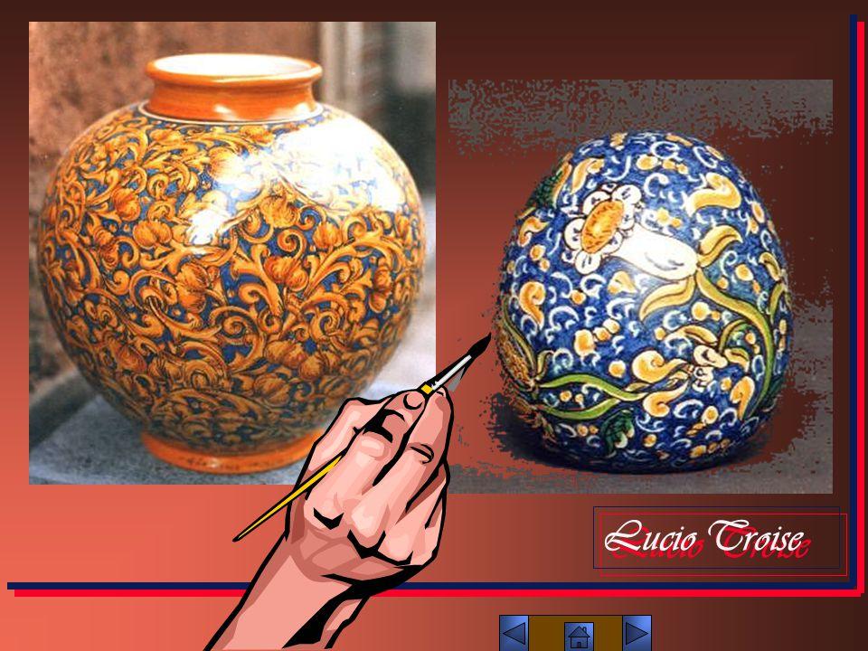 DECORAZIONE La decorazione della ceramica ha subito una notevole evoluzione con il passare del tempo.