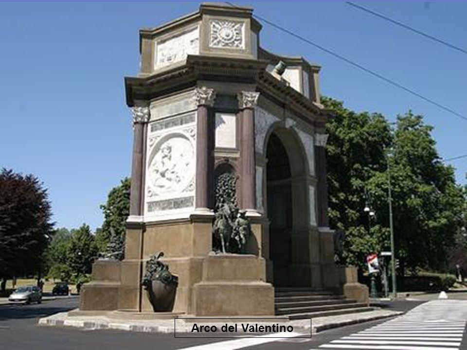Piazza Vittorio Veneto: È una tra le più grandi piazze d'Europa, la più grande tra quelle interamente porticate.