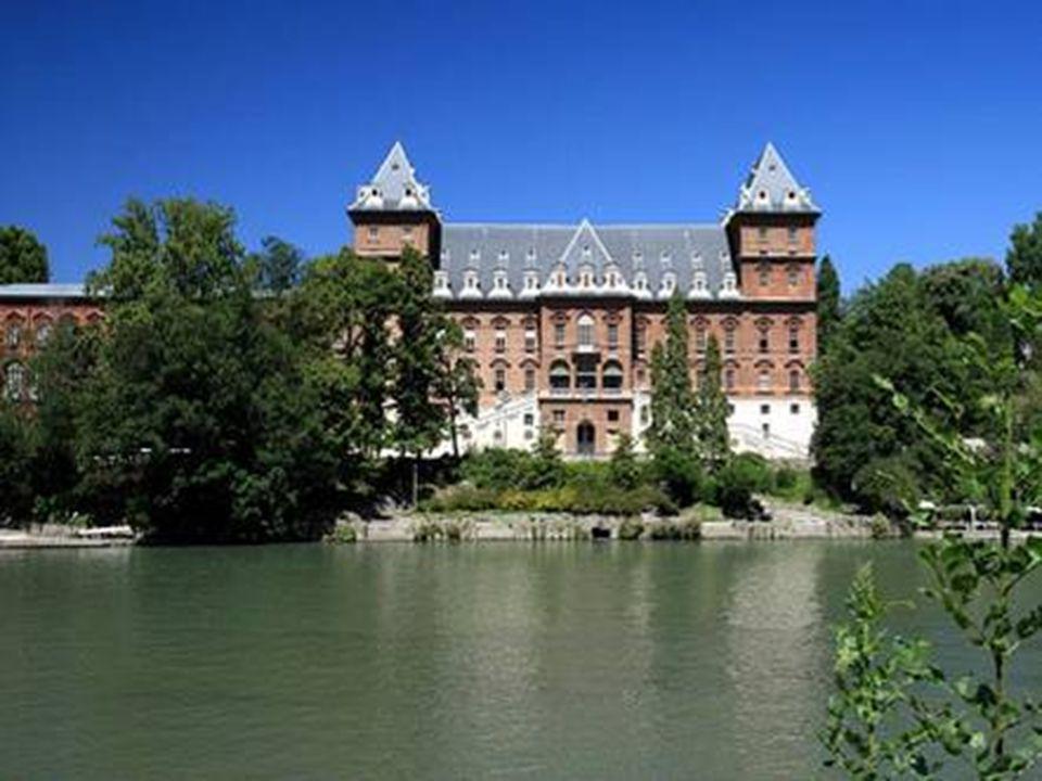 Edificio storico, situato nell omonimo Parco del Valentino sulle rive del fiume Po.
