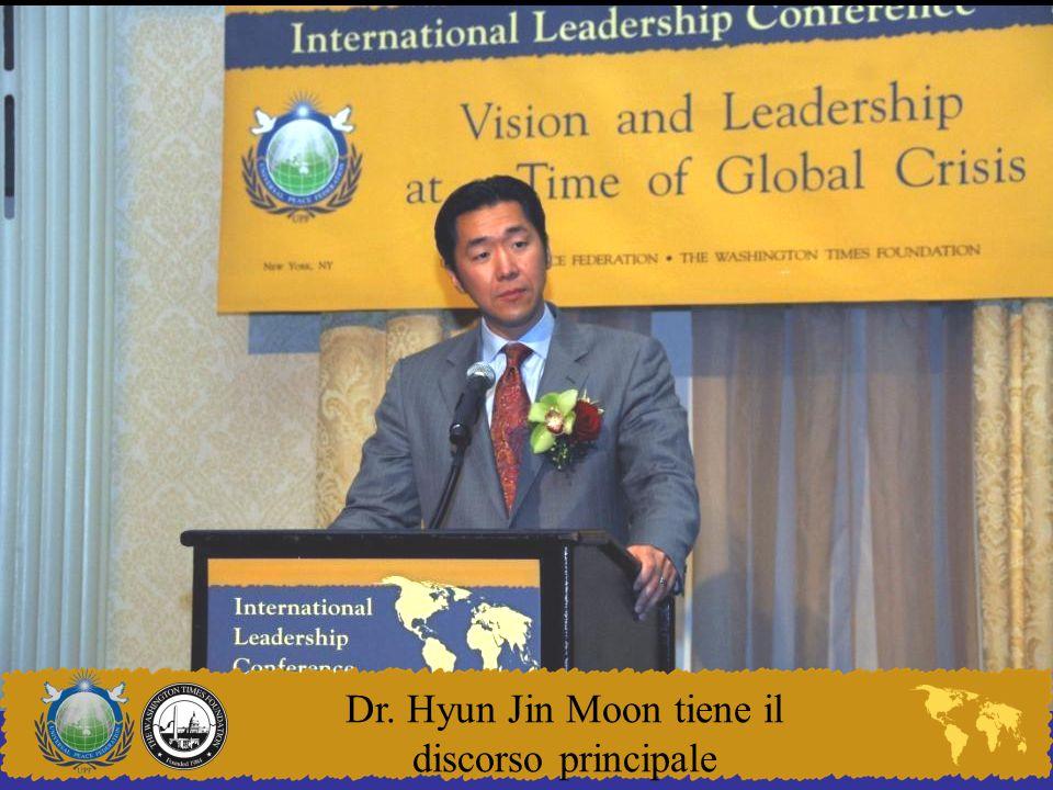Dr. Hyun Jin Moon tiene il discorso principale