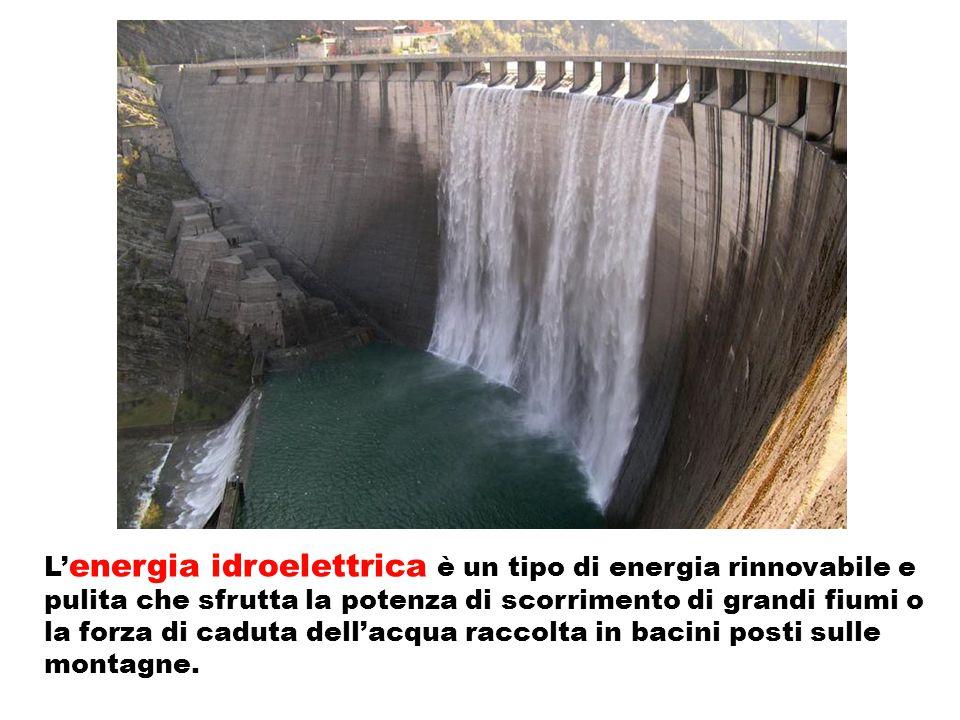 L' energia idroelettrica è un tipo di energia rinnovabile e pulita che sfrutta la potenza di scorrimento di grandi fiumi o la forza di caduta dell'acq