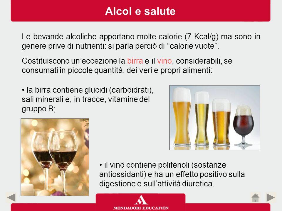 ALCOL CONTENUTO NELLE UNITÀ DI MESCITA ProdottoDose in clTitolo alcolometrico indicativo Alcol in una dose (cl) Alcol in una dose (gr) Spumanti10010 - 12100 x 12 : 100 = 12 12 x 0,79 = 9,48 Whisky, Gin, Vodka, Rum 4040 - 4540 x 45 : 100 = 18 18 x 0,79 = 14,22 Cognac, Brandy, Grappa, Armagnac 4040 - 6040 x 60 : 100 = 24 24 x 0,79 = 18,96 Amari, Aperitivi4020 - 4040 x 40 : 100 = 16 16 x 0,79 = 12,64 Liquori dolci3025 - 7530 x 75 : 100 = 22,5 22,5 x 0,79 = 17,77 Birra in bottiglia 3330 - 8333 x 8 : 100 = 26,64 26,64 x 0,79 = 21,04 Alcol e salute