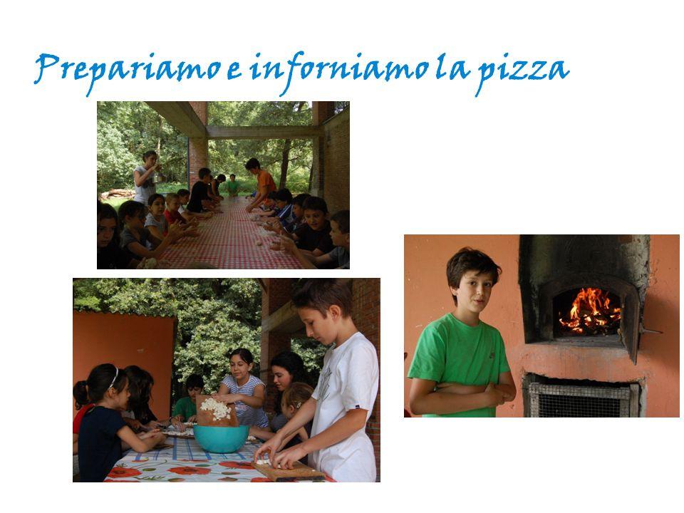Prepariamo e inforniamo la pizza
