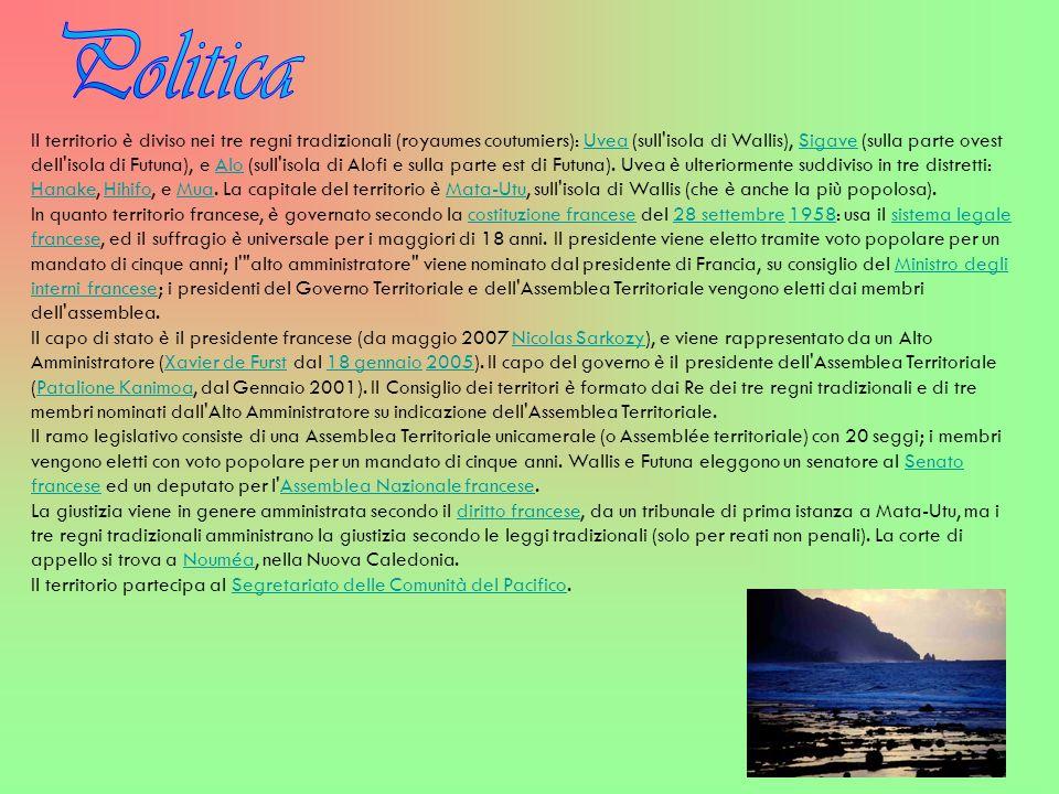 Il territorio è diviso nei tre regni tradizionali (royaumes coutumiers): Uvea (sull'isola di Wallis), Sigave (sulla parte ovest dell'isola di Futuna),