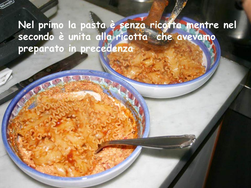 Cominciamo a preparare i piatti, per i meno attenti consiglio di notare la differenza tra i due piatti