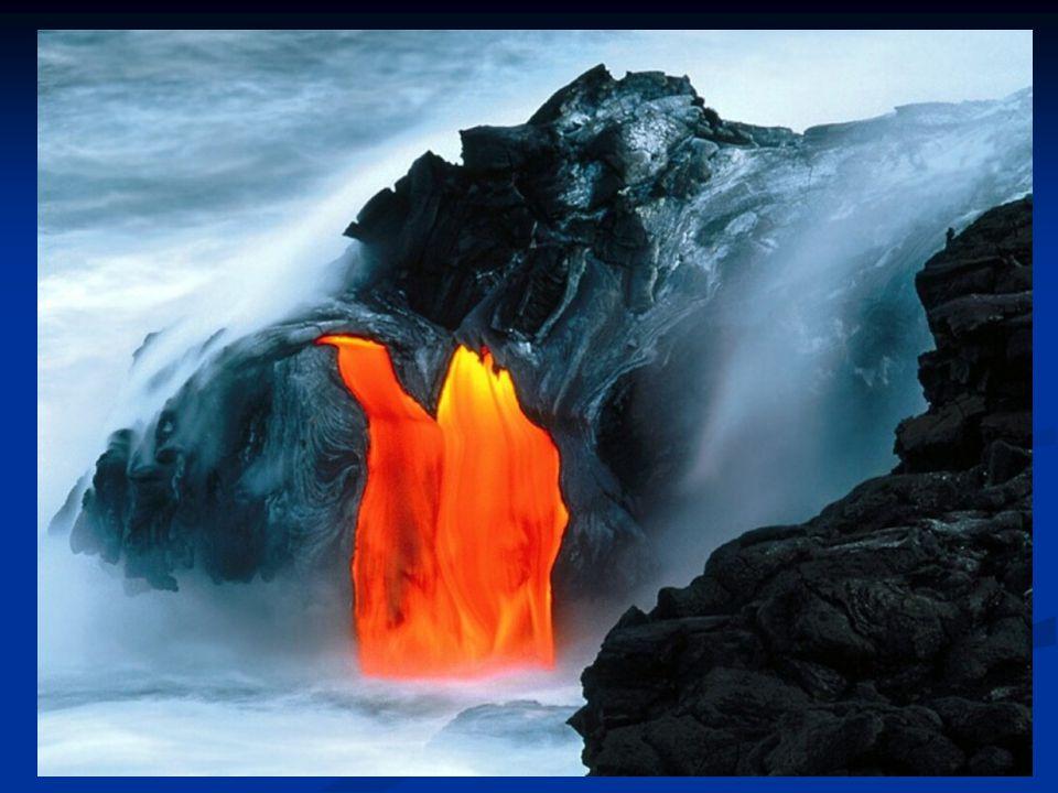 Al vapore acqueo eruttato dai vulcani si è aggiunto il contributo di acqua apportato dalla caduta delle comete sulla superficie del pianeta Data la temperatura elevata questa acqua si trovava sotto forma si vapore per cui si formò una densa atmosfera Quando la temperatura superficiale scese sotto i 100°C si ebbero le prime piogge e la formazione dei primi oceani