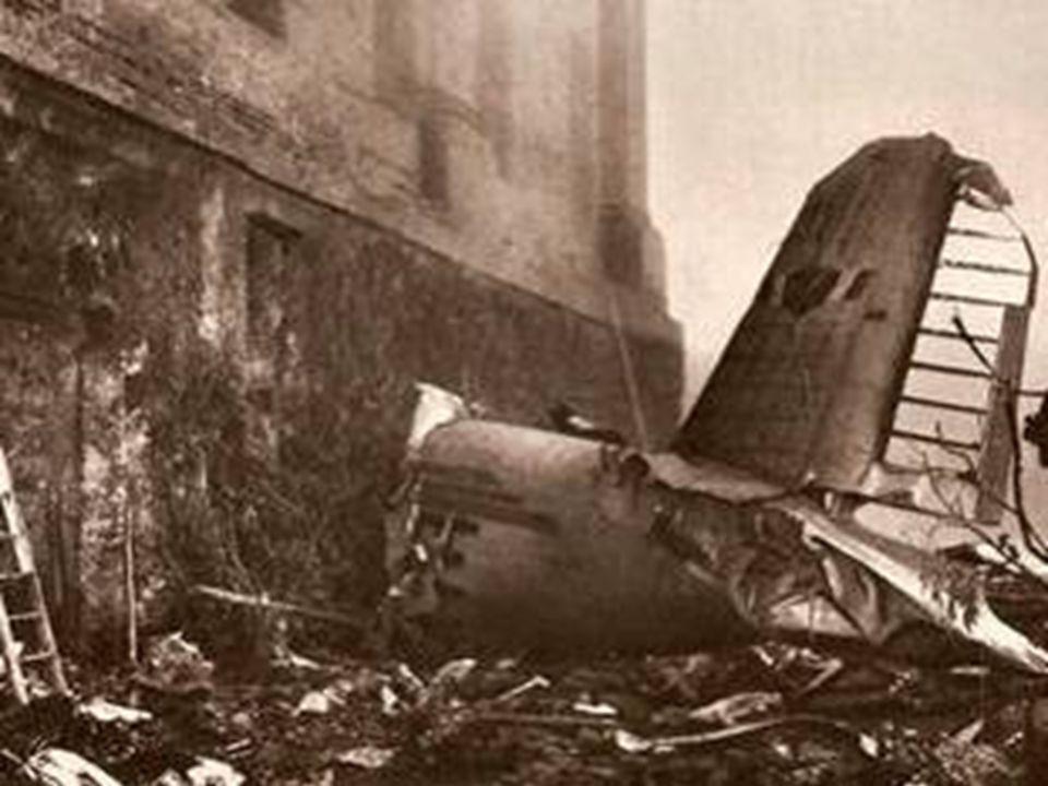 La parte posteriore del complesso basilicale è stata colpita il 4 maggio 1949 dall'aereo in arrivo da Lisbona, che trasportava la squadra di calcio de