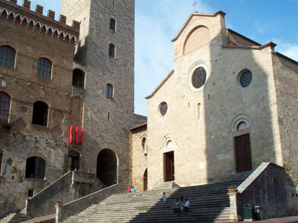 La Collegiata di Santa Maria Assunta è il Duomo.