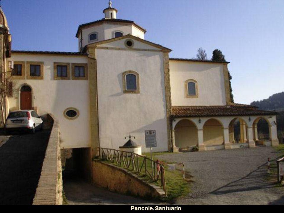 Cortile del Palazzo del Popolo. Municipio