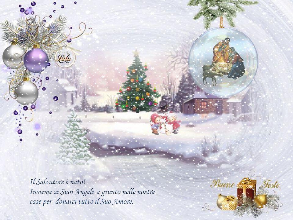 Abbiamo acceso le nostre candele colorate, ogni piccolo gesto è pieno della magia natalizia.