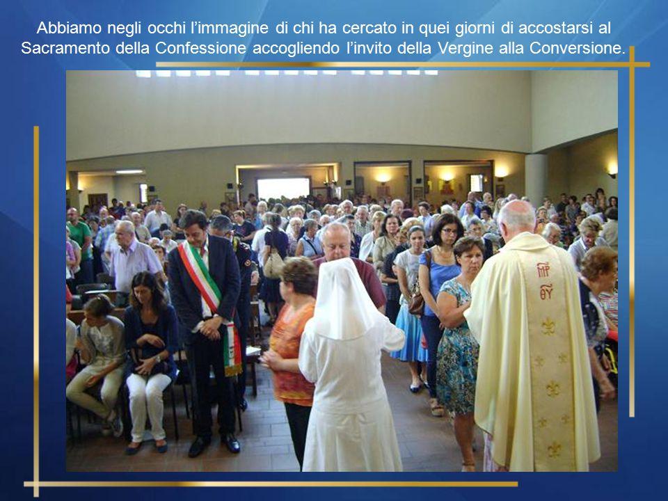 Abbiamo negli occhi l'immagine di tanta gente che in quei giorni si è stretta in preghiera, per ore, davanti alla Statua della Madonna di Fatima, gent