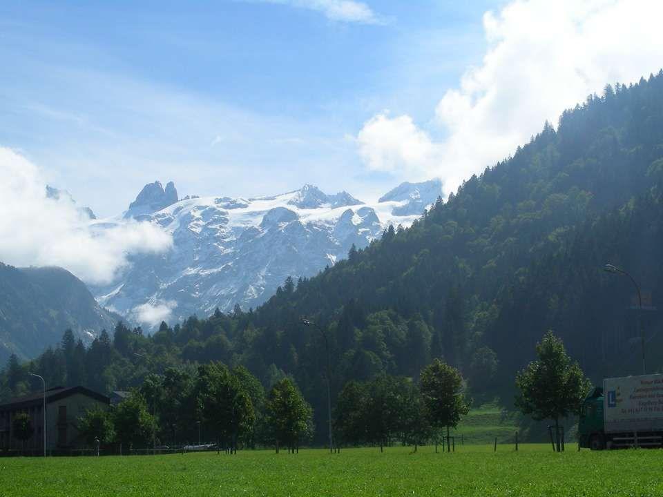 Il Titlis è un massiccio della Svizzera Centrale nelle Alpi Urane. La cima più alta è di 3.238 m.