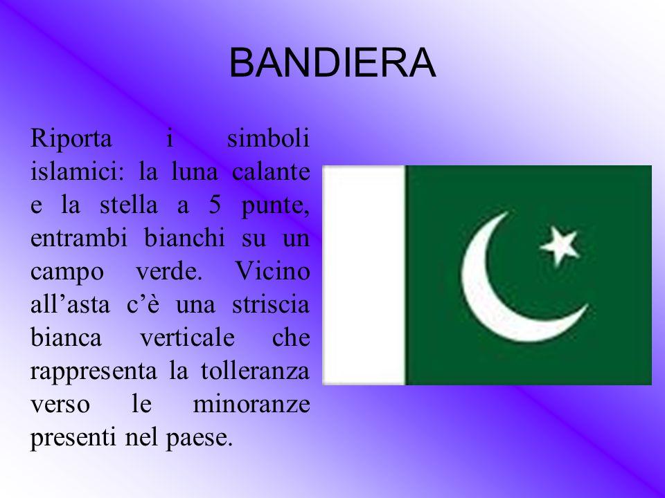 BANDIERA Riporta i simboli islamici: la luna calante e la stella a 5 punte, entrambi bianchi su un campo verde. Vicino all'asta c'è una striscia bianc