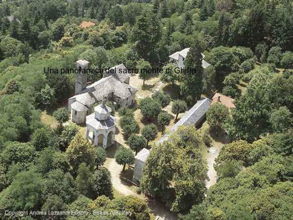 Una panoramica del sacro monte di Ghiffa