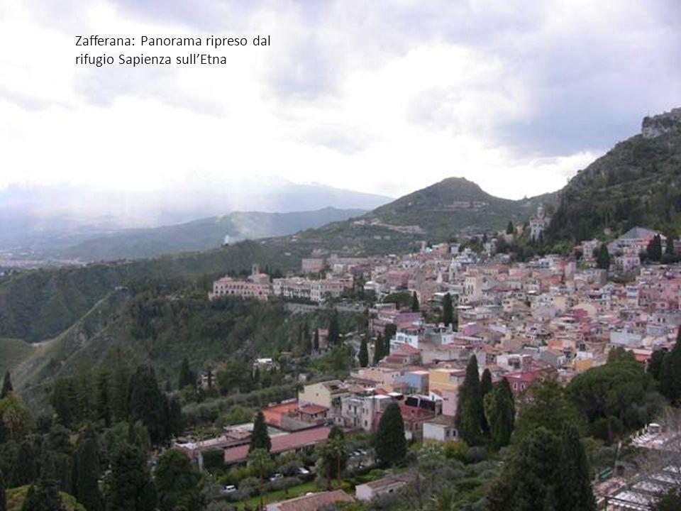 Catania : Duomo con terrazze