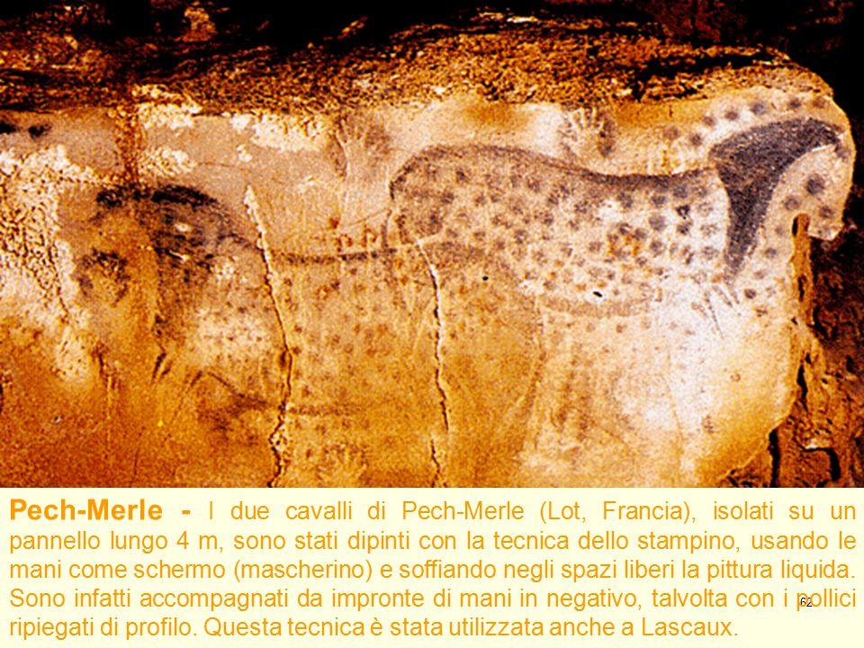 62 Pech-Merle - I due cavalli di Pech-Merle (Lot, Francia), isolati su un pannello lungo 4 m, sono stati dipinti con la tecnica dello stampino, usando