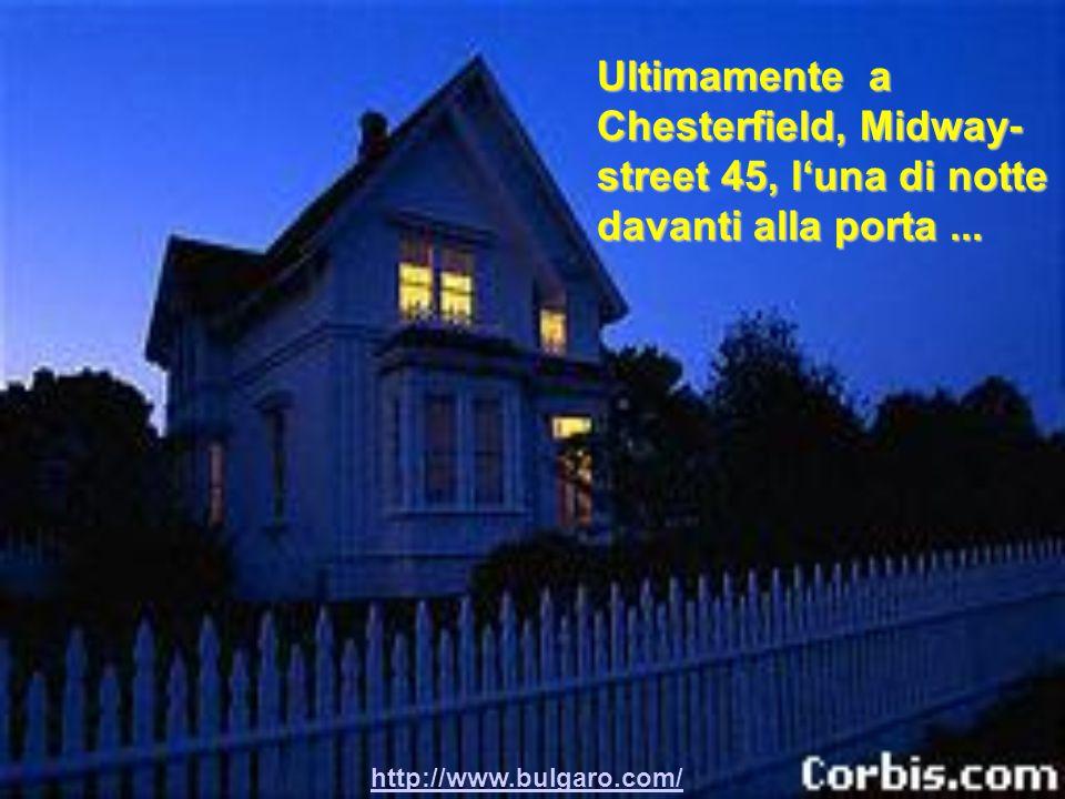 http://www.bulgaro.com/ Improvvisamente si accende la luce sulle scale, la sorellina si presenta in pigiama ancora mezza addormentata e dice :