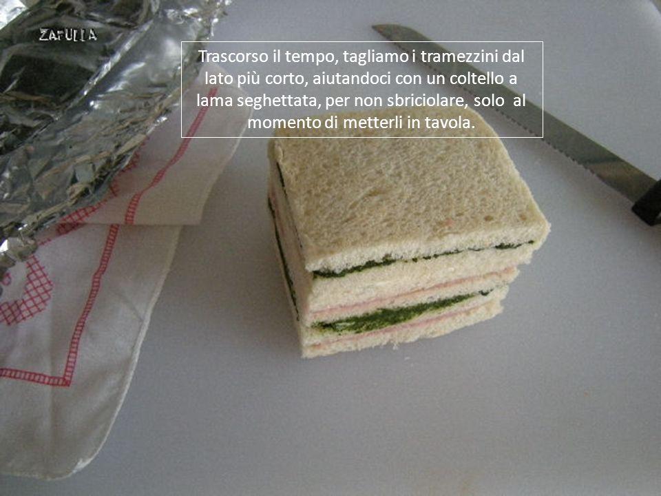 L'umidità esterna manterrà perfettamente morbido il pane, mentre le creme di farcitura insaporiranno e compatteranno il tutto. Lasciamo riposare in fr