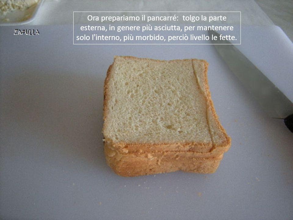 Per lo strato bianco io ho usato il gorgonzola- mascarpone, ma va bene anche lo stracchino, o un qualsiasi formaggio da spalmare, lasciato al naturale