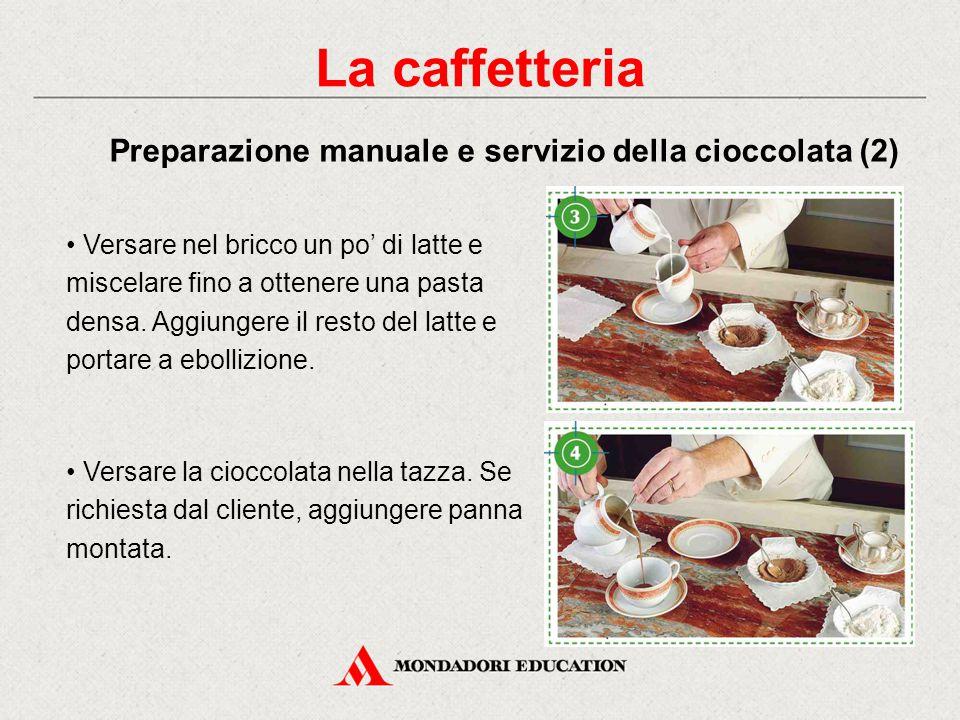 Ingredienti: - due cucchiaini da tè di cacao in polvere - due cucchiaini da caffè di zucchero - una punta di fecola di patate - un bicchiere di latte