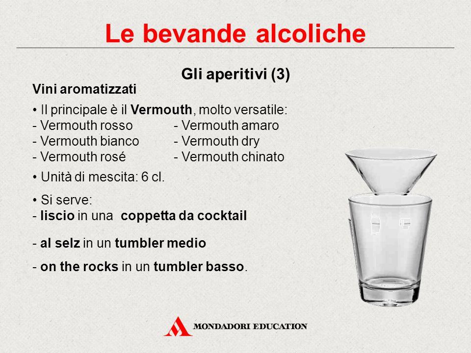 Vini bianchi secchi: - gradazione non superiore a 12% vol. - unità di mescita: 10 cl. a 8-10°C nel calice da vino bianco. Champagne e spumanti: - unit