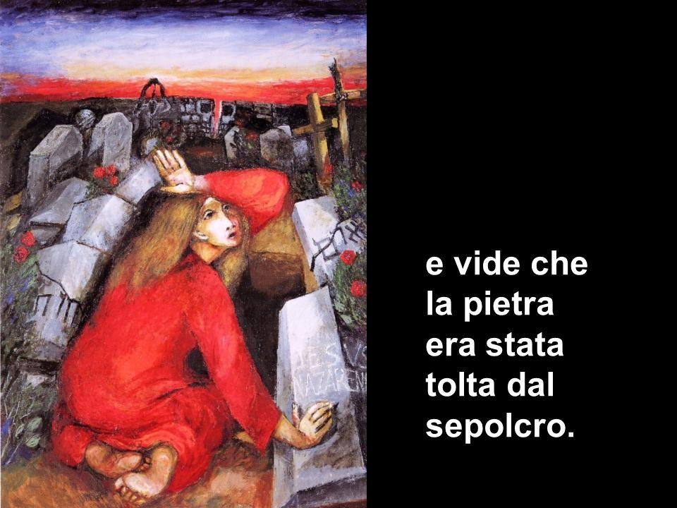 Corse allora e andò da Simon Pietro e dall'altro discepolo, quello che Gesù amava, e disse loro: