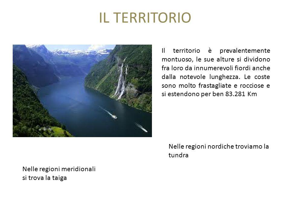 IL TERRITORIO Il territorio è prevalentemente montuoso, le sue alture si dividono fra loro da innumerevoli fiordi anche dalla notevole lunghezza.